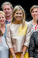 AMERONGEN- Queen Maxima while visiting Stichting Buurtgezinnen.nl. Copyright robin utrecht <br /> AMERONGEN - Koningin Maxima tijdens een bezoek aan Stichting Buurtgezinnen.nl.  copyright robin utrecht