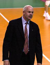 28-07-2000 FRA: Olympisch Kwalificatie Toernooi Nederland - Frankrijk, Castelnau Le Lez<br /> Nederland wint in een beladen duel van Frankrijk en plaatst zich voor de Olympische Spelen in Sydney / Coach Toon Gerbrands