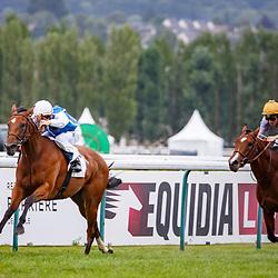 Enlighted (M. Guyon) wins Prix Just World International (Prix de Chaumieres) in Deauville 08/08/2017, photo: Zuzanna Lupa/Racingfotos.com