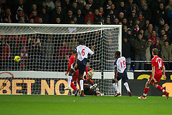 BOLTON, ENGLAND - Saturday, January 21, 2011: Bolton Wanderers' Nigel Reo-Coker scores the second goal against Liverpool during the Premiership match at the Reebok Stadium. (Pic by David Rawcliffe/Propaganda)