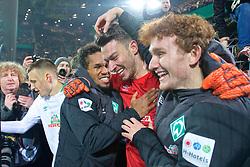 05.02.2019, Signal Iduna Park, Dortmund, GER, DFB Pokal, Borussia Dortmund vs SV Werder Bremen, Achtelfinale, im Bild jubelnde Bremer nach dem Abpfiff, hier Jiri Pavlenka (SV Werder Bremen #1) mit Josh Sargent / Joshua Sargent (SV Werder Bremen #19)), rechts, Theodor Gebre Selassie (SV Werder Bremen #23) links, nach seinen zwei parierten Elfmetern // during the German Pokal round of 16 match between Borussia Dortmund and SV Werder Bremen at the Signal Iduna Park in Dortmund, Germany on 2019/02/05. EXPA Pictures © 2019, PhotoCredit: EXPA/ Andreas Gumz<br /> <br /> *****ATTENTION - OUT of GER*****