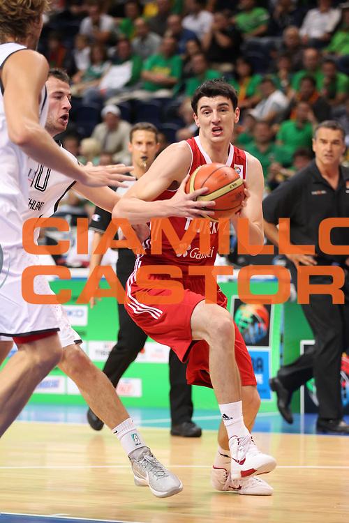 DESCRIZIONE : Vilnius Lithuania Lituania Eurobasket Men 2011 Second Round Germania Turchia Germany Turkey<br /> GIOCATORE : Emir Preidzic<br /> CATEGORIA : palleggio penetrazione<br /> SQUADRA : Turchia Turkey<br /> EVENTO : Eurobasket Men 2011<br /> GARA : Germania Turchia Germany Turkey<br /> DATA : 09/09/2011<br /> SPORT : Pallacanestro <br /> AUTORE : Agenzia Ciamillo-Castoria/ElioCastoria<br /> Galleria : Eurobasket Men 2011<br /> Fotonotizia : Vilnius Lithuania Lituania Eurobasket Men 2011 Second Round Germania Turchia Germany Turkey<br /> Predefinita :