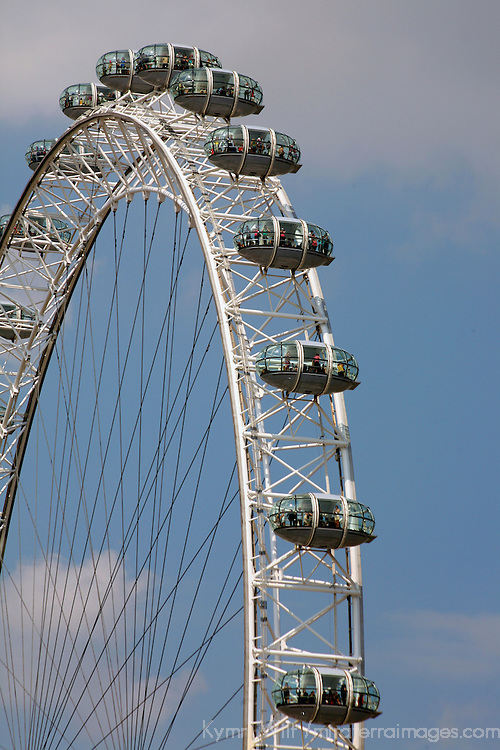 Europe, United Kingdom, England, London. The London Eye Ferris Wheel.