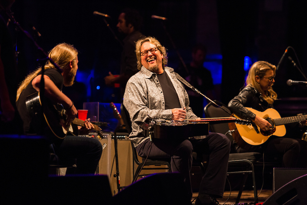 Jerry Douglas joins Tedeschi Trucks Band in NYC