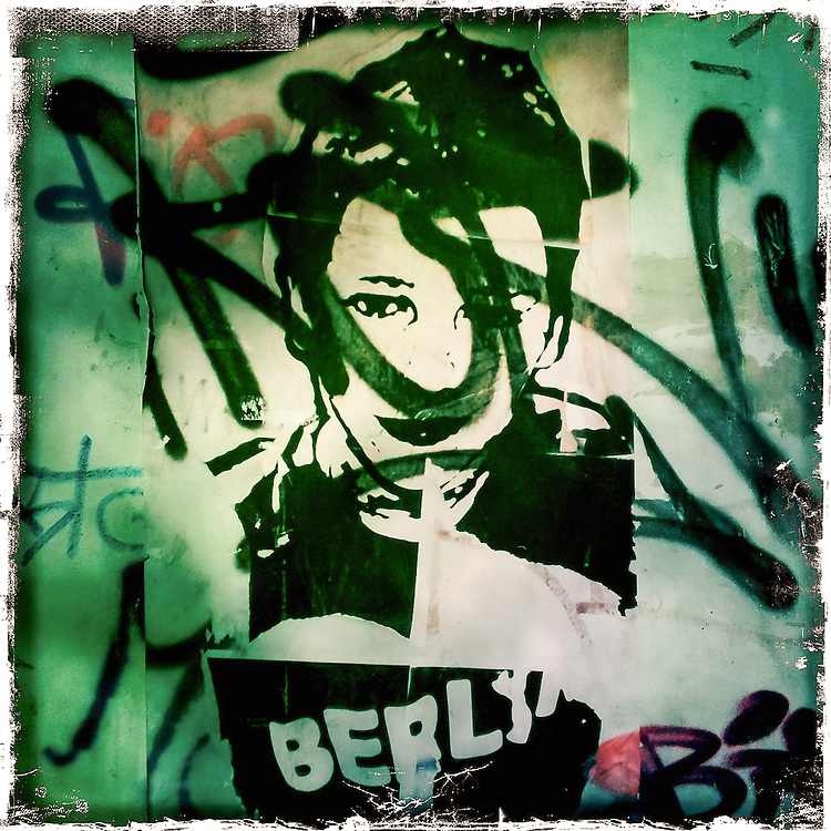 Germany - BERLIN - iPhone Hipstamatic DIARY; HERE: Berlin-Kreuzberg; Graffiti; 26.02.2012; © Christian Jungeblodt