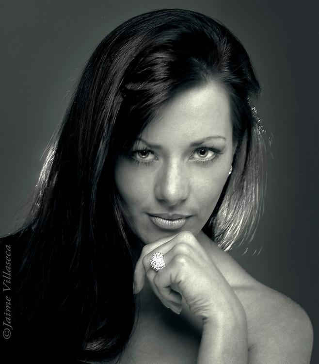 FOT&Oacute;GRAFO: Jaime Villaseca ///<br /> <br /> Modelo Carolina Vidal.