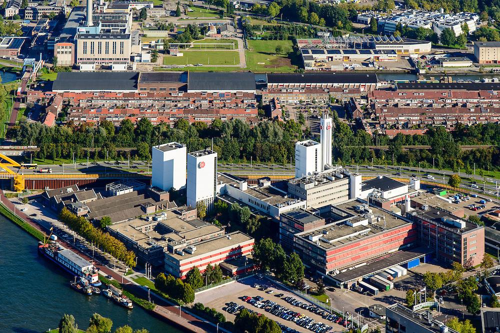 Nederland, Utrecht, Utrecht, 30-09-2015; bedrijvencomplex van Douwe Egberts Nederland B.V. aan de Vleutenseweg.<br /> Douwe Egberts, manufacturer of coffe and tea.<br /> <br /> luchtfoto (toeslag op standard tarieven);<br /> aerial photo (additional fee required);<br /> copyright foto/photo Siebe Swart