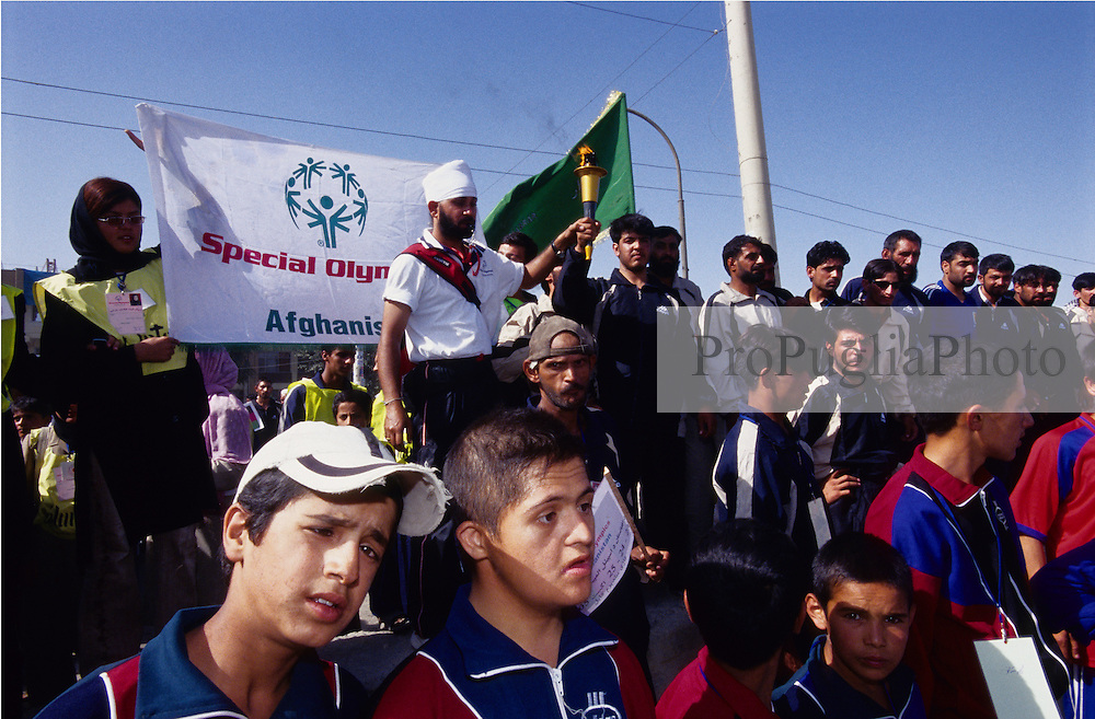 AFGHANISTAN.Kabul, 23 August 2005.Harpreet Singh, Special Olympics Asia Pacific, is leading the torch run towards Ghazi Stadium