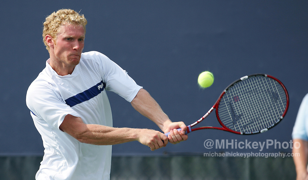 Dmitry Tursunov plays against Xavier Malisse at the RCA Championships in Indianapolis July 20, 2006.