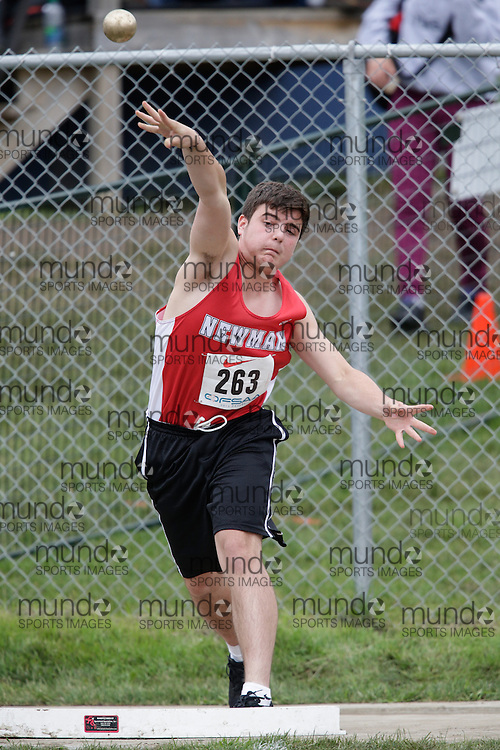 Nick Zografos of Cardinal Newman - Scarborough competes at the 2013 OFSAA Track and Field Championship in Oshawa Ontario, Friday,  June 7, 2013.<br /> Mundo Sport Images/ Geoff Robins