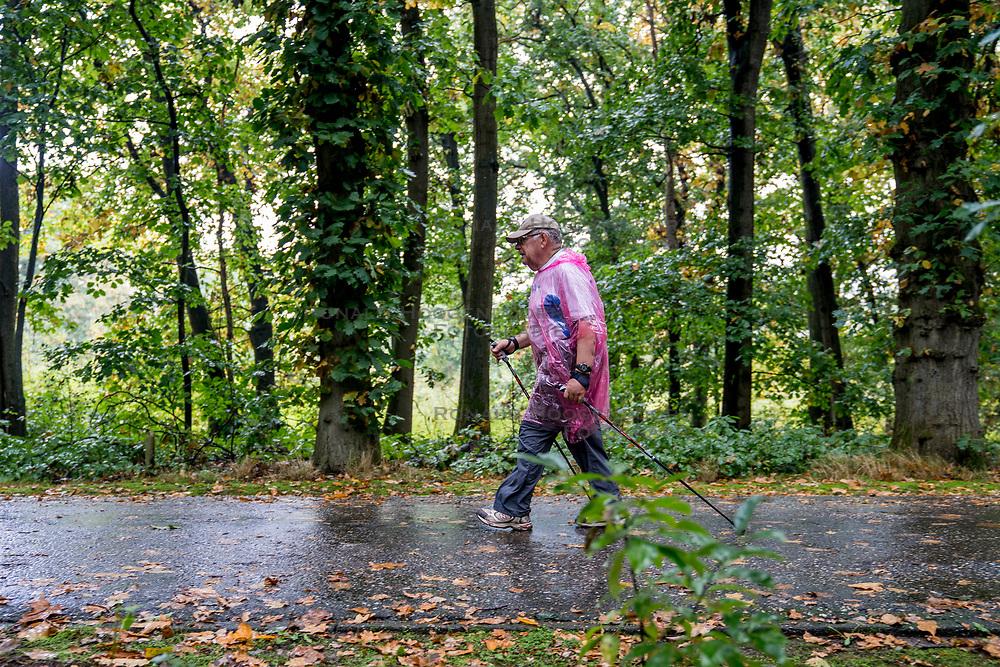 30-09-2017 NED: Nationaal Diabetes Challenge, Arnhem<br /> Vandaag de tweede Nationale diabetes Challenge op Papendal Arnhem. Ruim 3000 mensen die meeliepen aan de tweede geslaagde wandel challenge.