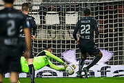 ALKMAAR - 19-12-2015, AZ - FC Utrecht, AFAS Stadion, 2-2, redding van AZ speler Gino Coutinho, FC Utrecht speler Sebastien Haller