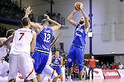 DESCRIZIONE : Qualificazioni EuroBasket 2015 Svizzera-Italia <br /> GIOCATORE : Luigi Datome <br /> CATEGORIA : nazionale maschile senior A GARA : Qualificazioni EuroBasket 2015 Svizzera-Italia <br /> DATA : 27/08/2014 <br /> AUTORE : Agenzia Ciamillo-Castoria