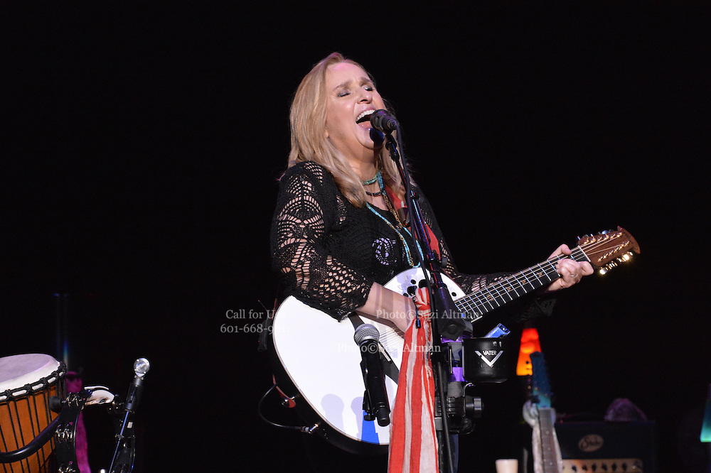 Melissa Etheridge performs a solo show  in Jackson Mississippi Tuesday February 23, 2016.Photo©Suzi Altman