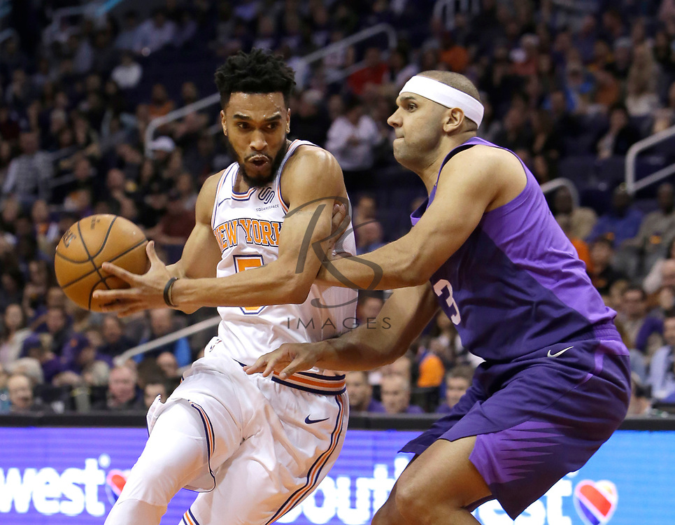 New York Knicks guard Courtney Lee (5) in the first half during an NBA basketball game against the Phoenix Suns, Friday, Jan. 26, 2018, in Phoenix. (AP Photo/Rick Scuteri)