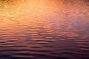 Sonnenuntergang, Wellen, Wasser, Edersee, Nordhessen, Hessen, Deutschland | sunset, water, waves, Lake Eder, Hesse, Germany