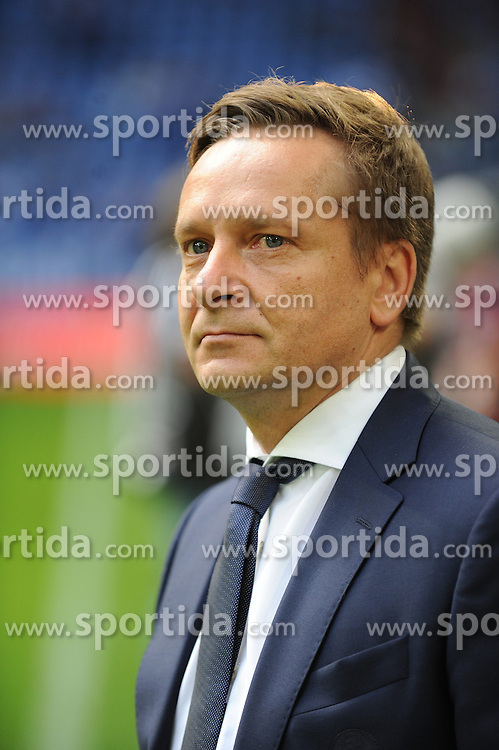 27.09.2014, Veltins Arena, Gelsenkirchen, GER, 1. FBL, Schalke 04 vs Borussia Dortmund, 6. Runde, im Bild Manager Horst Heldt ( Schalke 04 ) // during the German Bundesliga 6th round match between Schalke 04 and Borussia Dortmund at the Veltins Arena in Gelsenkirchen, Germany on 2014/09/27. EXPA Pictures &copy; 2014, PhotoCredit: EXPA/ Eibner-Pressefoto/ Thienel<br /> <br /> *****ATTENTION - OUT of GER*****