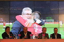 04.06.2013, Alianz Arena, Muenchen, GER, 1. FBL, FC Bayern Muenchen, Pressekonferenz, im Bild, Jupp Heynckes verabschiedet sich bei FC Bayern // during a presss conference of FC Bayern Munich at the Alianz Arena, Munich, Germany on 2013/06/04. EXPA Pictures © 2013, PhotoCredit: EXPA/ Eibner/ Ruiz<br /> <br /> ***** ATTENTION - OUT OF GER *****