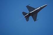 USA, Oregon, Hillsboro, USAF demonstration team demonstrating the F-16 Fighting Falcon at the Oregon International Airshow.