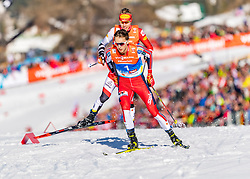 28.02.2019, Seefeld, AUT, FIS Weltmeisterschaften Ski Nordisch, Seefeld 2019, Nordische Kombination, Langlauf, im Bild v.l. Franz-Josef Rehrl (AUT), Jarl Magnus Riiber (NOR) // f.l.Franz-Josef Rehrl of Austria and Jarl Magnus Riiber of Norway during the Cross Country Competition of Nordic Combined for the FIS Nordic Ski World Championships 2019. Seefeld, Austria on 2019/02/28. EXPA Pictures © 2019, PhotoCredit: EXPA/ Stefan Adelsberger