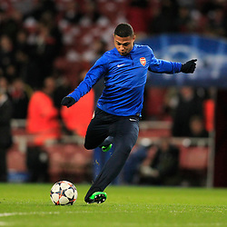 19.02.2014, Emirates Stadion, London, ENG, UEFA CL, FC Arsenal vs FC Bayern Muenchen, Achtelfinale, im Bild Serge Gnabry (Arsenal FC #44) bei einem Torschuss, Aktion, Action // during the UEFA Champions League Round of 16 match between FC Arsenal and FC Bayern Munich at the Emirates Stadion in London, Great Britain on 2014/02/19. EXPA Pictures © 2014, PhotoCredit: EXPA/ Eibner-Pressefoto/ Schueler<br /> <br /> *****ATTENTION - OUT of GER*****