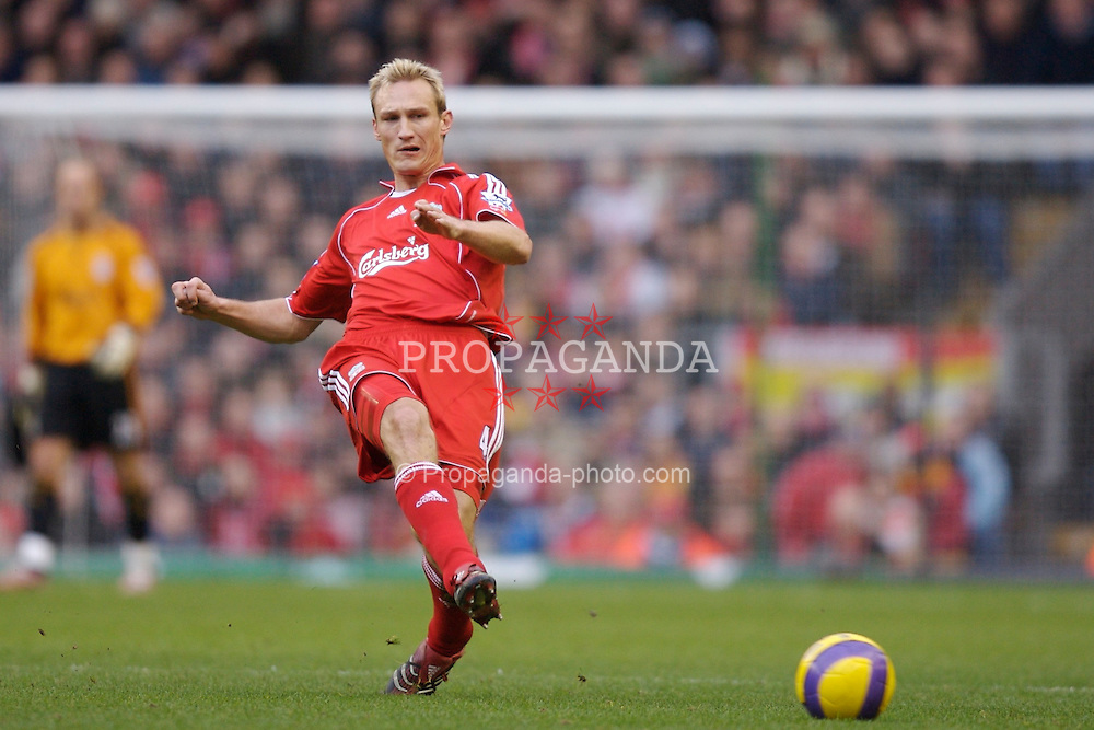 Liverpool, England - Monday, January 1, 2007: Liverpool's Sami Hyypia in action against Bolton Wanderers during the Premiership match at Anfield. (Pic by David Rawcliffe/Propaganda)