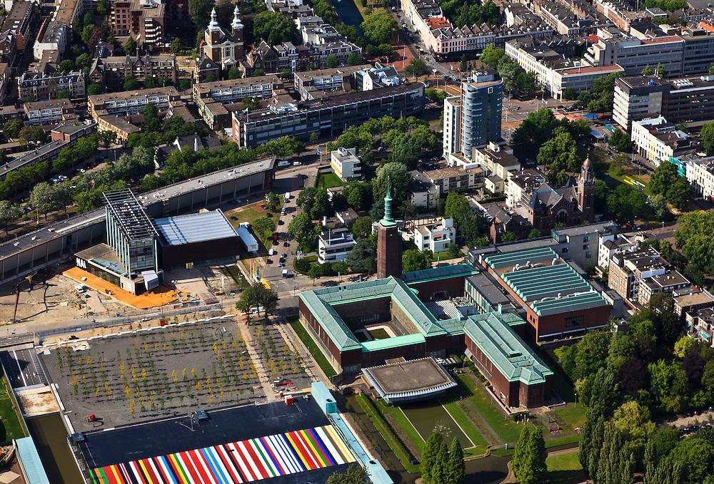Nederland, Zuid-Holland, Rotterdam, 23-05-2011;.Zicht op het Museumpark op de groene daken van Museum Boijmans van Beuningen en midden links het Architectuurinstituut NAI aan de Rochussenstraat. De gekleurde strepen vormen een kunstwerk..View at the Museum Park , the green roofs of Museum Boijmans van Beuningen and (left middle) Architecture Institute NAI on Rochussenstraat. The colored stripes are a work of art. Westersingel (top right) in the middle  the tower of hotel Rotterdam..luchtfoto (toeslag), aerial photo (additional fee required).copyright foto/photo Siebe Swart