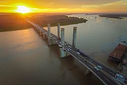 Vista da Ponte Getúlio Vargas, também conhecida como Ponte do Guaíba. FOTO: Jefferson Bernardes/ Agência Preview