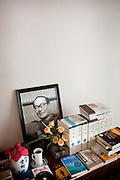 (En) Tokyo, November 2009 - In the house of Japanese writer Akira Yoshimura, near Kichijoji's Inokashira Park. <br /> The altar.<br /> <br /> (Fr) Tokyo, Novembre 2009 - Dans la maison de l'&eacute;crivain japonais Akira Yoshimura, pr&egrave;s du parc Inokashira dans le quartier de Kichijoji.<br /> L'autel.