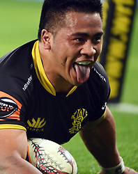Wellington's Asafo Aumua scores against Northland in the Mitre 10 Rugby match at Westpac Stadium, Wellington, New Zealand, Thursday, October 12 2017. Credit:SNPA / Ross Setford  **NO ARCHIVING**