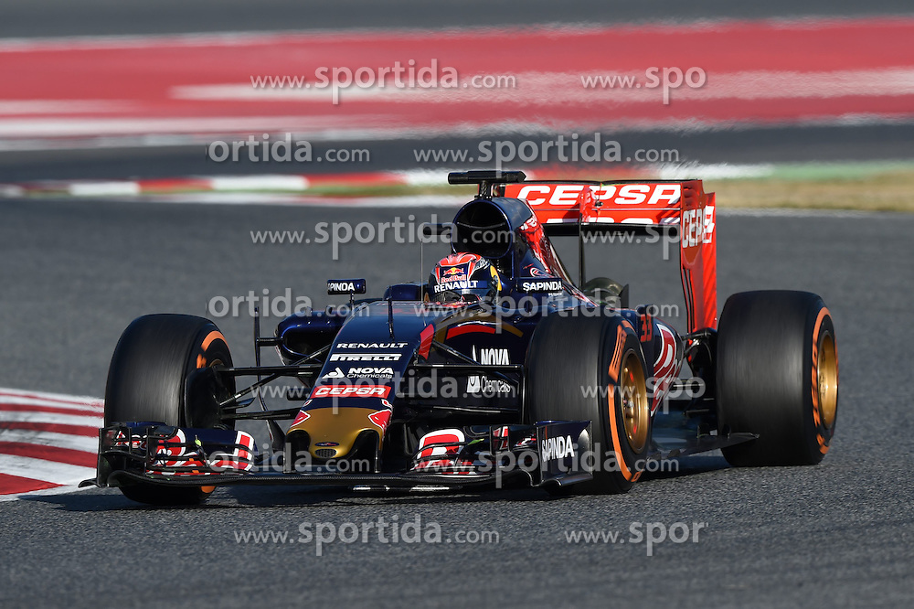 27.02.2015, Circuit de Catalunya, Barcelona, ESP, FIA, Formel 1, Testfahrten, Barcelona, Tag 2, im Bild Max Verstappen (NDL) Scuderia Toro Rosso STR10 // during the Formula One Testdrives, day two at the Circuit de Catalunya in Barcelona, Spain on 2015/02/27. EXPA Pictures &copy; 2015, PhotoCredit: EXPA/ Sutton Images/ Mark Images<br /> <br /> *****ATTENTION - for AUT, SLO, CRO, SRB, BIH, MAZ only*****