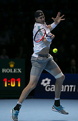 2018?11?12?.       ?????1???——ATP???????????????????.      11?12??????????? .      ???????????2018ATP????????????????????????????2?0???????????.       ????????.(SP)BRITAIN-LONDON-TENNIS-ATP WORLD TOUR FINALS-DAY 2 .(181112) -- LONDON, Nov. 12, 2018  John Isner of the United States competes during his singles match against Novak Djokovic of Serbia during Day Two of the 2018 ATP World Tour Finals at the O2 Arena in London, Britain on Nov. 12, 2018. (Credit Image: © Xinhua via ZUMA Wire)