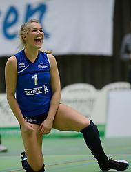 14-12-2013 VOLLEYBAL: SLIEDRECHT SPORT - VC SNEEK: SLIEDRECHT<br /> Sliedrecht Sport wint met 3-0 van Sneek / Kirsten Knip<br /> &copy;2013-FotoHoogendoorn.nl