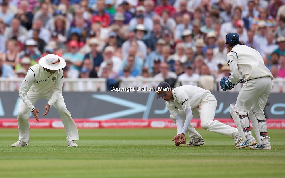 Rahul Dravid drops Ian Bell during the third npower Test Match between England and India at Edgbaston, Birmingham.  Photo: Graham Morris (Tel: +44(0)20 8969 4192 Email: sales@cricketpix.com) 11/08/11
