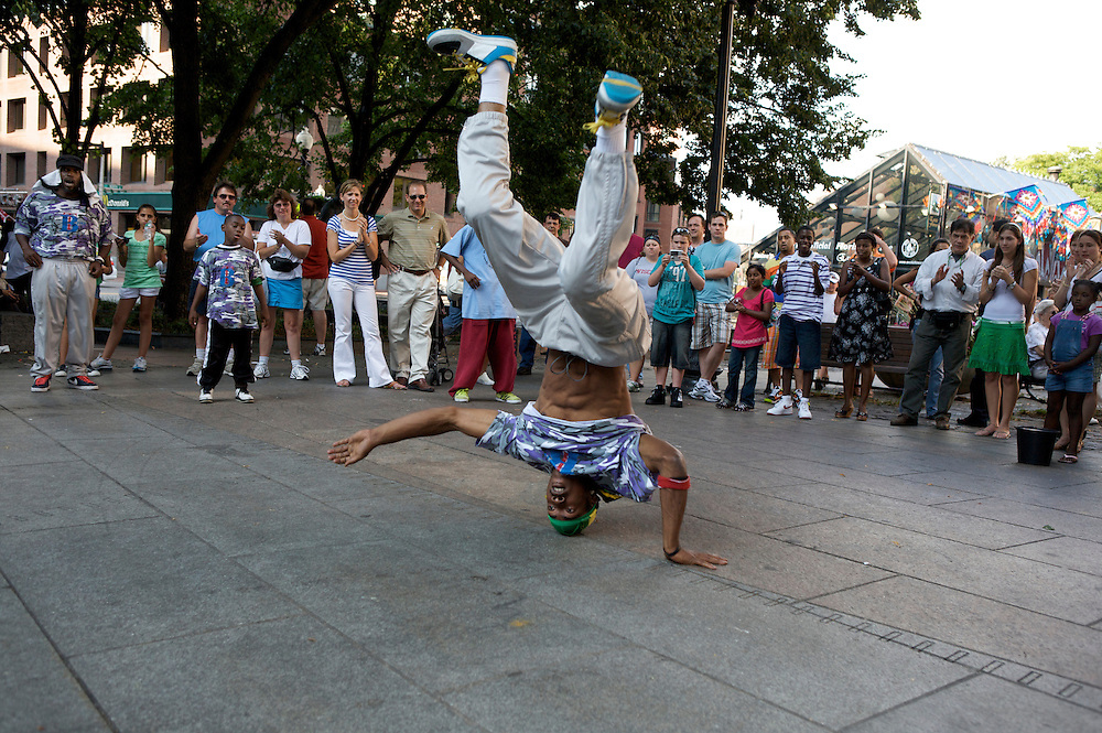 UNITED STATES-BOSTON-Streetdancers. PHOTO:GERRIT DE HEUS.VERENIGDE STATEN-BOSTON-Straatdansers in de stad. ANP PHOTO COPYRIGHT GERRIT DE HEUS
