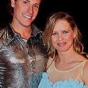 NLD/Utrecht/20110126 - Perspresentatie Sterren Dansen op het IJs 2011, Babette van Veen en Gabriel Leel