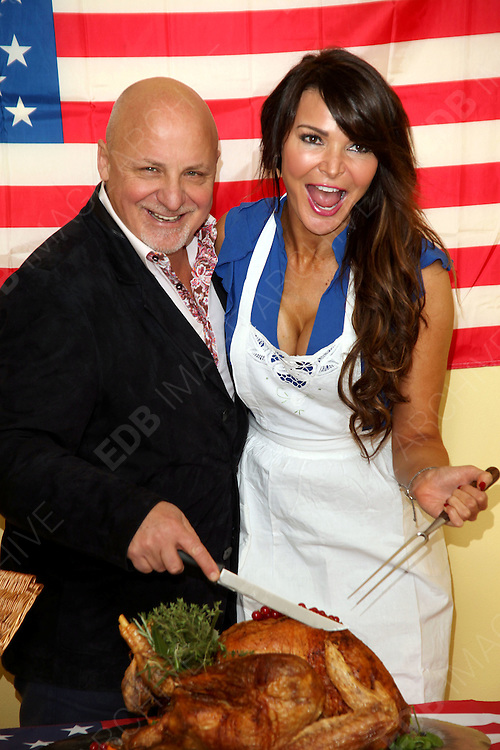 21.NOVEMBER.2012. LONDON<br /> <br /> ALDO ZILLI AND LIZZIE CUNDY JOINED STUDENTS FROM AMERICAN INTERCONTINENTAL UNIVERSITY LONDON TO SERVE A THANKSGIVING MEAL DONATED BY THE UNIVERSITY TO THE MARYLEBONE PROJECT, A HOMELESS WOMEN&rsquo;S CHARITY<br /> <br /> BYLINE: EDBIMAGEARCHIVE.CO.UK<br /> <br /> *THIS IMAGE IS STRICTLY FOR UK NEWSPAPERS AND MAGAZINES ONLY*<br /> *FOR WORLD WIDE SALES AND WEB USE PLEASE CONTACT EDBIMAGEARCHIVE - 0208 954 5968*