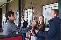 GOUDA - GOLFBAAN IJSSELWEIDE , kennismaken met golf tijdens Open Golfdag, golfles van Xavier Ruiz Fonhof. COPYRIGHT KOEN SUYK