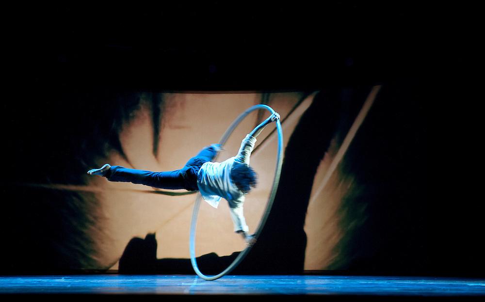 DESIGN DANCE: opening show for Milan Design Fair 2012. Triennale Theatre