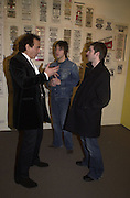 Paul Golding, Gem Archer and Noel Gallagher, Inspirational Times, rock Art from Beat to Punk via Psychedelia. Sotheby's. Olympia. 6 January 2002. © Copyright Photograph by Dafydd Jones 66 Stockwell Park Rd. London SW9 0DA Tel 020 7733 0108 www.dafjones.com