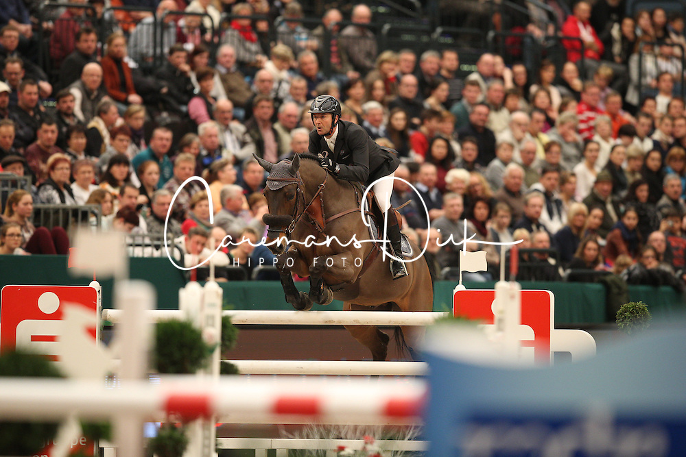 Delaveau Patrice, (FRA), Lacrimoso 3 Hdc<br /> Longines FEI World Cup presented by Sparkasse<br /> Sparkasen Cup-Grand Prix of Leipzig<br /> CSIO Leipzig 2016<br /> © Hippo Foto - Stefan Lafrentz