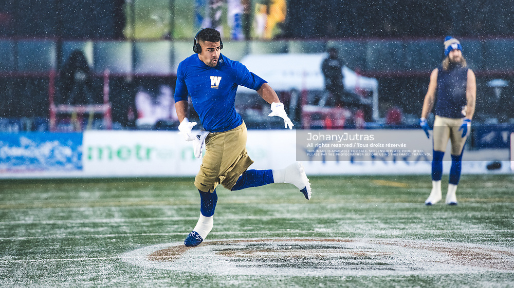 Andrew Harris (33) of the Winnipeg Blue Bombers warms up before the game against the Calgary Stampeders at McMahon Stadium in Calgary, AB, Friday Nov. 3, 2017. (Photo: Johany Jutras)