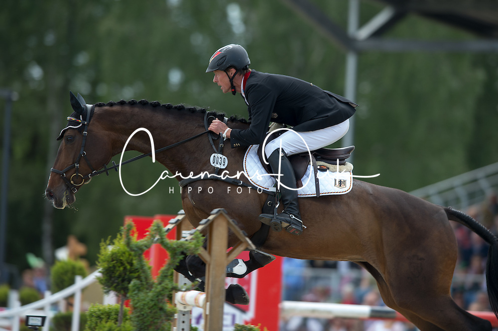 Thomsen Peter (GER) - Horseware's Cayenne<br />  CCI4* Luhmuhlen 2013<br /> &copy; Hippo Foto - Jon Stroud
