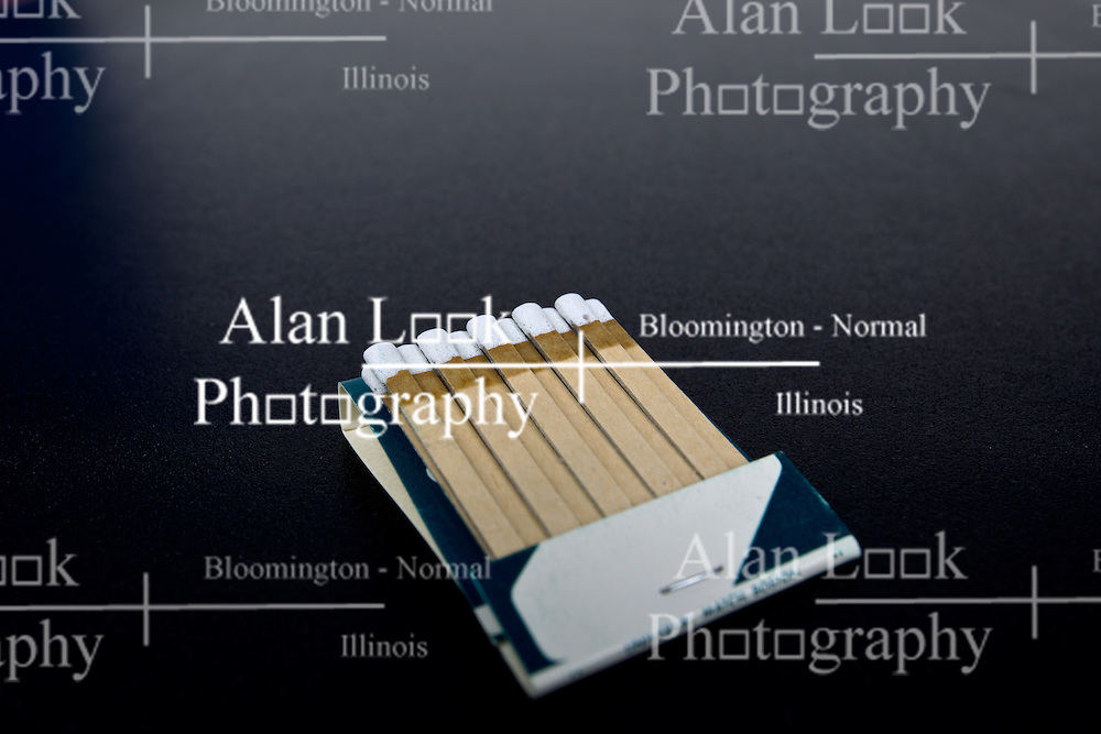 10 August 2014:   Studio - paper matchbook full of matches with imprint for advertising