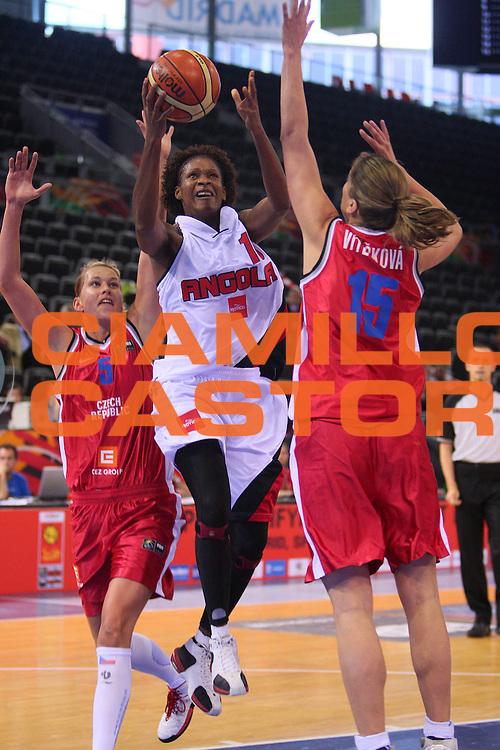 DESCRIZIONE : Madrid 2008 Fiba Olympic Qualifying Tournament For Women Angola Czech Republic <br /> GIOCATORE : Nassecela Mauricio <br /> SQUADRA : Angola <br /> EVENTO : 2008 Fiba Olympic Qualifying Tournament For Women <br /> GARA : Angola Czech Republic Angola Repubblica Ceca <br /> DATA : 11/06/2008 <br /> CATEGORIA : Tiro <br /> SPORT : Pallacanestro <br /> AUTORE : Agenzia Ciamillo-Castoria/S.Silvestri <br /> Galleria : 2008 Fiba Olympic Qualifying Tournament For Women <br /> Fotonotizia : Madrid 2008 Fiba Olympic Qualifying Tournament For Women Angola Czech Republic <br /> Predefinita :