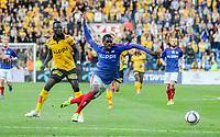 Fotball<br /> Tippeligaen<br /> Vålerenga VIF - Lillestrøm LSK<br /> Ullevaal Stadion 27.07.15<br /> Deshorn Brown felles av Bomken Innocent<br /> Foto: Eirik Førde