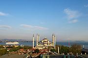 The Blue Mosque (Sultan Ahmet Camii), presiding over the Bosphorus, Sultanahmet, Istanbul, Turkey