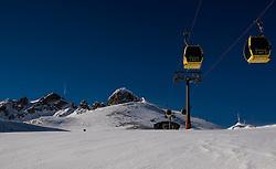 25-01-2017 AUT: BvdGF wintersportkamp dag 1, Obertauern<br /> Het 7de jaar wintersportkamp van de BvdGF is verhuisd naar Obertauern. Prachtige pistes, geweldig jeugdhotel en fantastisch weer maakt er weer een onvergetelijk kamp van / Omgeving Obertauern, Zehnerkarspitze