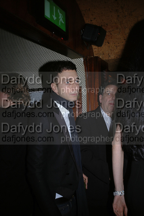 Hedi Slimane. charles Finch and Chanel 6th Anniversary Pre-Bafta party to celebratew A Great Year of Film and Fashion Beyond the Red Carpet at Annabel's. Berkeley Sq. London W1. 18 February 2006. ONE TIME USE ONLY - DO NOT ARCHIVE  © Copyright Photograph by Dafydd Jones 66 Stockwell Park Rd. London SW9 0DA Tel 020 7733 0108 www.dafjones.com
