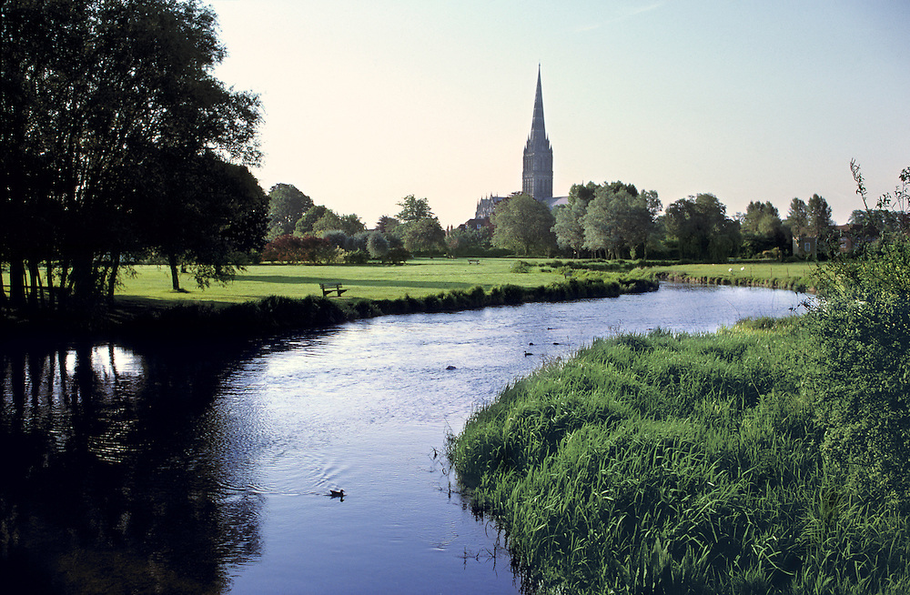 The River Avon flows through Salisbury in Wiltshire in southern England.